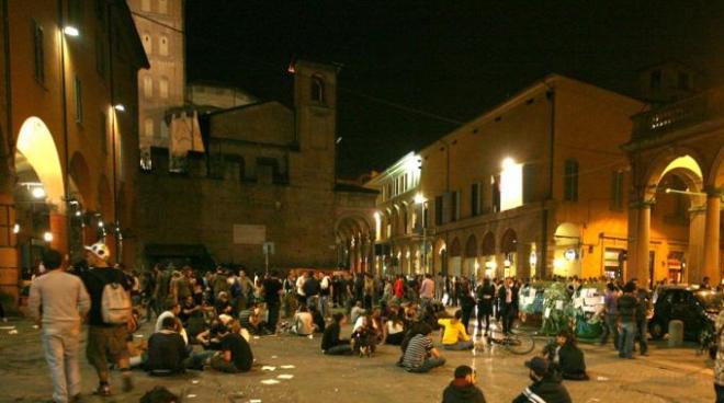 bologna-piazza-verdi1